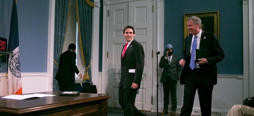 Council Member Kallos and Mayor de Blasio.